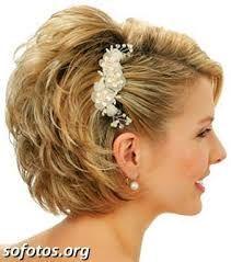 Resultado de imagem para penteados em cabelos curtos para madrinha