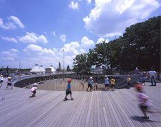 The playground lets kids run forever.   Fufi Kindergarden (2011) Tezuka Architect