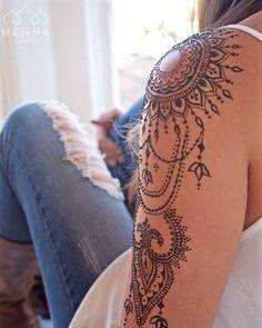 Resultado de imagem para shoulder henna