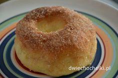 Dwie Chochelki: Pieczone obwarzanki z cukrem i cynamonem Doughnut, Food, Essen, Meals, Yemek, Eten