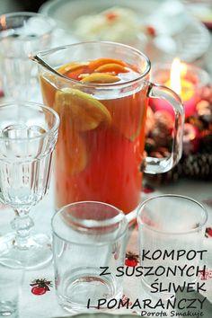 Zimowy kompot z suszonych śliwek i pomarańczy