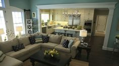 Open living room/kitchen sectional