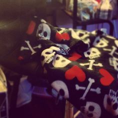 My fave travelling blanket..skulls and hearts..