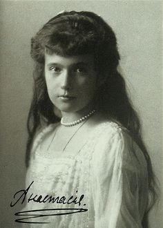 End of the Romanov Mystery: All Family Members Found Anastacia Romanov, Anastasia Russia, Romanov Sisters, The Bolsheviks, Grand Duchess Olga, House Of Romanov, Alexandra Feodorovna, Tsar Nicholas Ii, Imperial Russia