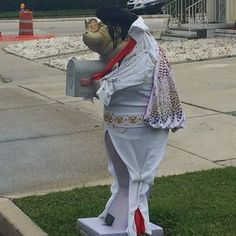 This classy mailbox of a manatee dressed up like Elvis: | 25 Things You'll Only See In Florida