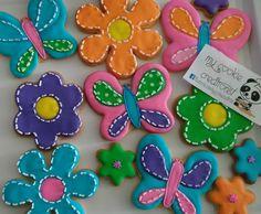 Orden de el pasado weekend! ❤😍✌☺🍪🐼🌸🌼 #mycookiecreations #flowerscookies #firstbirthdaycookies #cookies #butterfliescookies