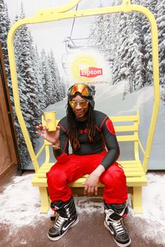 great photobooth idea: At the Lipton Uplift Lounge at the Sundance Film Festival in January, guests including Lil Jon could pose for photos while sitting in a real ski-lift chair set against a snowy, branded backdrop. Ski Lift Chair, Photo Booth Backdrop, Photobooth Idea, Photo Backdrops, Photo Booths, Photo Zone, Sundance Film Festival, Poses For Photos, Event Marketing