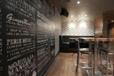 Design Interieur Lobby Bar Montréal  #bar #montreal #design #plateau #plancher #tableaux #craie #menu #wall #mur   www.lobbybar.ca