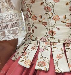 No photo description available. Mrs Claus Dress, Fancy Kurti, Kids Frocks, Historical Clothing, Fashion History, Blouse Designs, Designer Dresses, Beautiful Dresses, Fashion Outfits