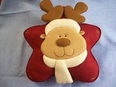 Christmas Chair, Christmas Cushions, Christmas Sewing, Christmas Time, Felt Crafts Patterns, Christmas Crafts, Christmas Decorations, Felt Christmas Ornaments, Handmade Felt