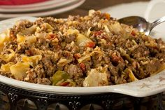 Our Beefy Cabbage Skillet is a hearty dish that comes together in just one skillet! One bite of this comforting and flavorful all-in-one meal will result in smiles all around. (Even non-cabbage lovers will love it! Diabetic Recipes, Meat Recipes, Dinner Recipes, Cooking Recipes, Healthy Recipes, Diabetic Foods, Skinny Recipes, Dinner Ideas, Hamburger Recipes