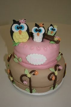 Cute owls! I can see this as a Baby announcement cake.