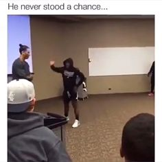I am so satisfied that I added the sound effect. Funny Black Memes, Stupid Funny Memes, Funny Relatable Memes, Haha Funny, Hilarious, Dance Choreography Videos, Dance Videos, Funny Video Memes, Videos Funny