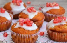 These orange spice cupcakes with orange cream cheese frosting rival the fanciest cupcake bakery recipe! Ice Cream Cupcakes, Spice Cupcakes, Yummy Cupcakes, Cupcake Arrangements, Spice Cake Mix, Dessert For Two, Cream Cheese Frosting, Desert Recipes, Cupcake Recipes