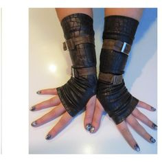 """Bindi """"Crocodile Skin"""" Gloves ($32) ❤ liked on Polyvore featuring accessories, gloves, fingerless leather gloves, leather gloves and fingerless gloves"""