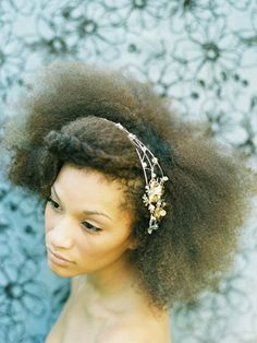Brides with natural #hair styles. See more #wedding beauty looks: http://ccwed.me/Izo9HA