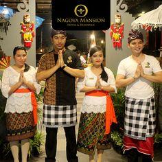 OM SWASTYASTU  Kangen nih sama atmosfer Bali, tari-tariannya, makanannya, orang-orangnya, bahkan sampai teringat kenangan yg pernah tercipta ketika liburan di sana?  Antara Batam dan Bali, kita dipisahkan dengan jarak seluas +/- 4245 KM dan 812,14 M.  Jangan sedih, Kamu tetap bisa kok menikmati suasana Bali di Batam.  Datang aja Sabtu, 5 Desember 2015 ke Nagoya Mansion Hotel & Residence Batam. Pukul 18.00-21 WIB. Di La Brisa Food Park