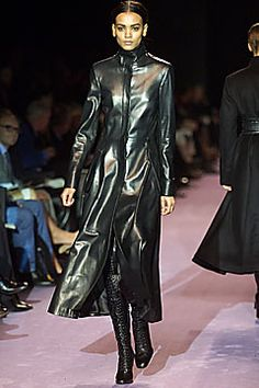 Saint Laurent - Fall 2001 Ready-to-Wear - Look 34 of 48