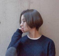 ショートヘアスタイル ROVER うざバング センターパート 無造作 黒髪 ラフ 耳かけ アンニュイ ウェット 透明感 アッシュ 抜け感 ゆるふわ ルーズ
