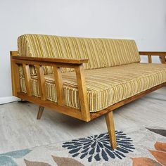 Mid Century day bed / Mid Century modern sofa / MCM furniture / Vintage daybed / Danish modern daybed