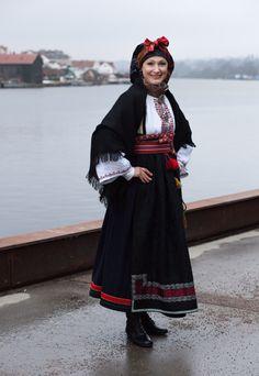 Rødtrøye Folk Costume, Costumes, Norwegian Clothing, Folk Clothing, My Heritage, People Of The World, Traditional Dresses, Norway, Scandinavian