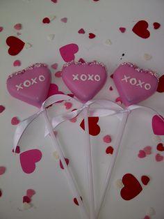 Valentine cake pops #Valentine #cakepops