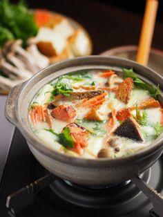 焼き甘塩鮭の豆乳鍋