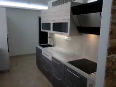 Kuchyně na míru Stacked Washer Dryer, Washer And Dryer, Laundry, Home Appliances, Laundry Room, House Appliances, Laundry Service, Washing And Drying Machine, Domestic Appliances
