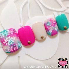 サンダルにピッタリのピンク×エスニック柄 Pedicure Designs, Toe Nail Designs, Toe Nail Art, Easy Nail Art, Gold Nails, Pink Nails, Feet Nail Design, Indian Nails, Pretty Toe Nails