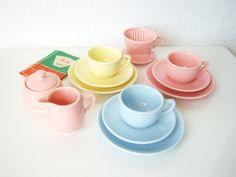 http://de.dawanda.com/product/90682463-melitta-puppengeschirr-pastell