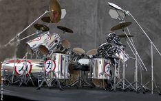 Eric Carr Crazy Nights drum kit model kit Drum Tattoo, Eric Carr, Crazy Night, Heavy Metal Rock, Music System, Thrash Metal, Drum Kits, Death Metal, Dreams