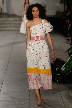 Carolina Herrera ready-to-wear spring/summer '18 - Vogue Australia