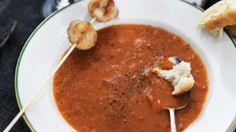Tomatsuppe med ingefær og grillede kammuslinger | Femina