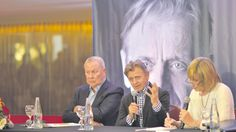 Mikhail Baryshnikov and Bob Wilson at a press conference in Buenos Aires. September 6, 2017