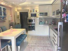 Ankastre, Beyaz mutfak, Halı, Mavi, Modern mutfak, Mutfak masası