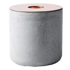 Chunk of Concrete lyslykt fra Menu, designet av Andreas Engesvik. En lyslykt med forskjellige typer ...