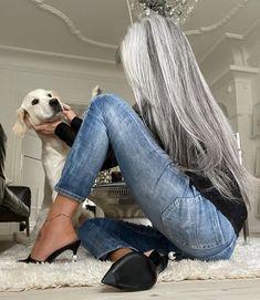 Long grey hairstyle | Annika von Holdt