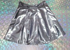 DIY: Metalic Box Pleat Skirt | @vivaladiy