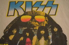 Kiss. Hot in the shade tee.