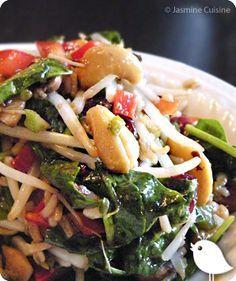 Voilà ma salade préférée de tous les temps EVER.. . Une salade que beaucoup de familles québécoises connaissent déjà. Une salade qui, ma... Paleo Recipes, Cooking Recipes, My Best Recipe, Cold Meals, Pasta, Light Recipes, Soup And Salad, Meal Prep, Clean Eating