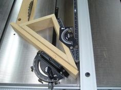 1 All Angles Miter Gauge