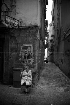 Fari Bahi, Napoli -- via emiliofr Old Pictures, Old Photos, Vintage Photographs, Vintage Photos, Street Photography, Art Photography, Napoli Italy, Vintage Italy, Brassai