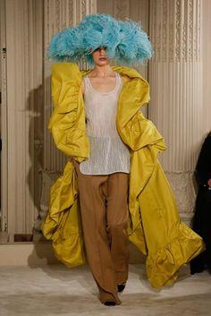 Valentino ... #fashion #HauteCouture #SS18 #Couture #CoutureFashion
