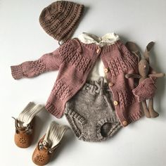 Baby clothes should be selected according to what? How to wash baby clothes? What should be considered when choosing baby clothes in shopping? Baby clothes should be selected according to … Little Girl Fashion, Fashion Kids, Toddler Fashion, Fashion Clothes, Baby Outfits, Toddler Outfits, Infant Fall Outfits Girl, Pinterest Baby, Pinterest Fashion