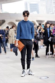 Simple but cool outfits hombre, korean men style, korean fashion men, kpop fashion Kpop Fashion Male, Korean Fashion Winter, Korean Fashion Casual, Korean Fashion Trends, Korean Street Fashion, Korean Outfits, Fashion Ideas, Men Fashion, Korean Outfit Male