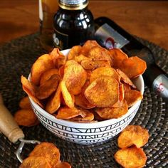 Fryer Sweet Potato Chips Spicy Sweet Potato Chips Recipe - Air Fryer - Vegan In The FreezerSpicy Sweet Potato Chips Recipe - Air Fryer - Vegan In The Freezer Crispy Sweet Potato Chips, Sweet Potato Slices, Vegan Recipes Easy, Snack Recipes, Cooking Recipes, Dinner Recipes, Air Fryer Chips, Air Fryer Oven Recipes, Sweet And Spicy