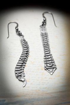spine earrings from missy industry Jewelry Box, Jewelry Accessories, Jewelry Making, Jewellery, Sterling Silver Earrings, Silver Jewelry, Fashion Designer, Skull And Bones, Unique Earrings