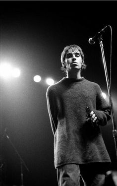 Liam Gallagher looking greasy Liam Gallagher Oasis, Noel Gallagher, Rock Roll, Music Love, Rock Music, John Lennon, Music Magpie, Oasis Music, Liam And Noel