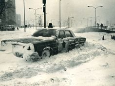 Blizzard of A Chicago police car is stalled at the Michigan Avenue entrance to Lake Shore Drive on Jan. Winter In Chicago, Chicago Storm, Chicago Police Officer, Nostalgic Images, Chicago Sun Times, Chicago Photos, My Kind Of Town, Winter Storm, Chicago Illinois