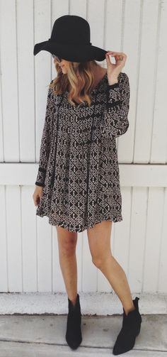 FASHION FIX: Booties! Jazz up a breezy dress with black booties & a matching floppy hat.